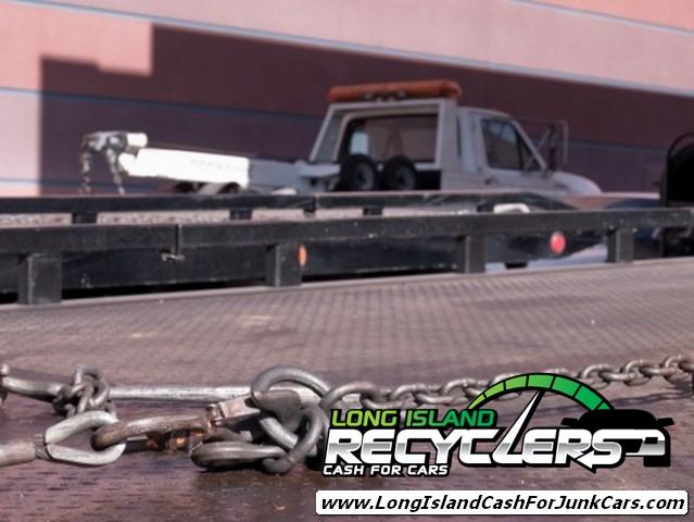 Junk Car Towing Image
